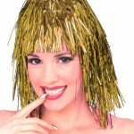 Folyo şeritlerden yapılmış kahküllü kısa peruk.
