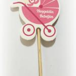 Kürdana takılı renkli kağıt dekor. Kanape kürdanı yada kokteyl dekoru olarak kullanabilirsiniz.