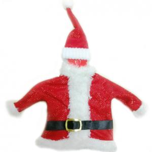 ampanya veya şarap şişesi giysisi. Lastikli noel baba şapkası ve kemerli noel baba ceketinden oluşur. Yılbaşı hediyesi olarak da idealdir. Sitemizden yılbaşı hediye torbası da alarak hediyenizi daha da şık hale getirebilirsiniz.