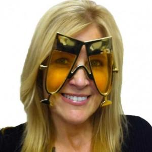 Kaliteli plastik çerçeveli gözlük.