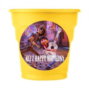 Coco temalı partileriniz için 8cm sticker baskı. Düz renk kullan at kağıt ve plastik parti bardaklarıyla birlikte kullanabilirsiniz.  Fiyata bardak dahil değildir! Bu sticker ları düz renk poşet